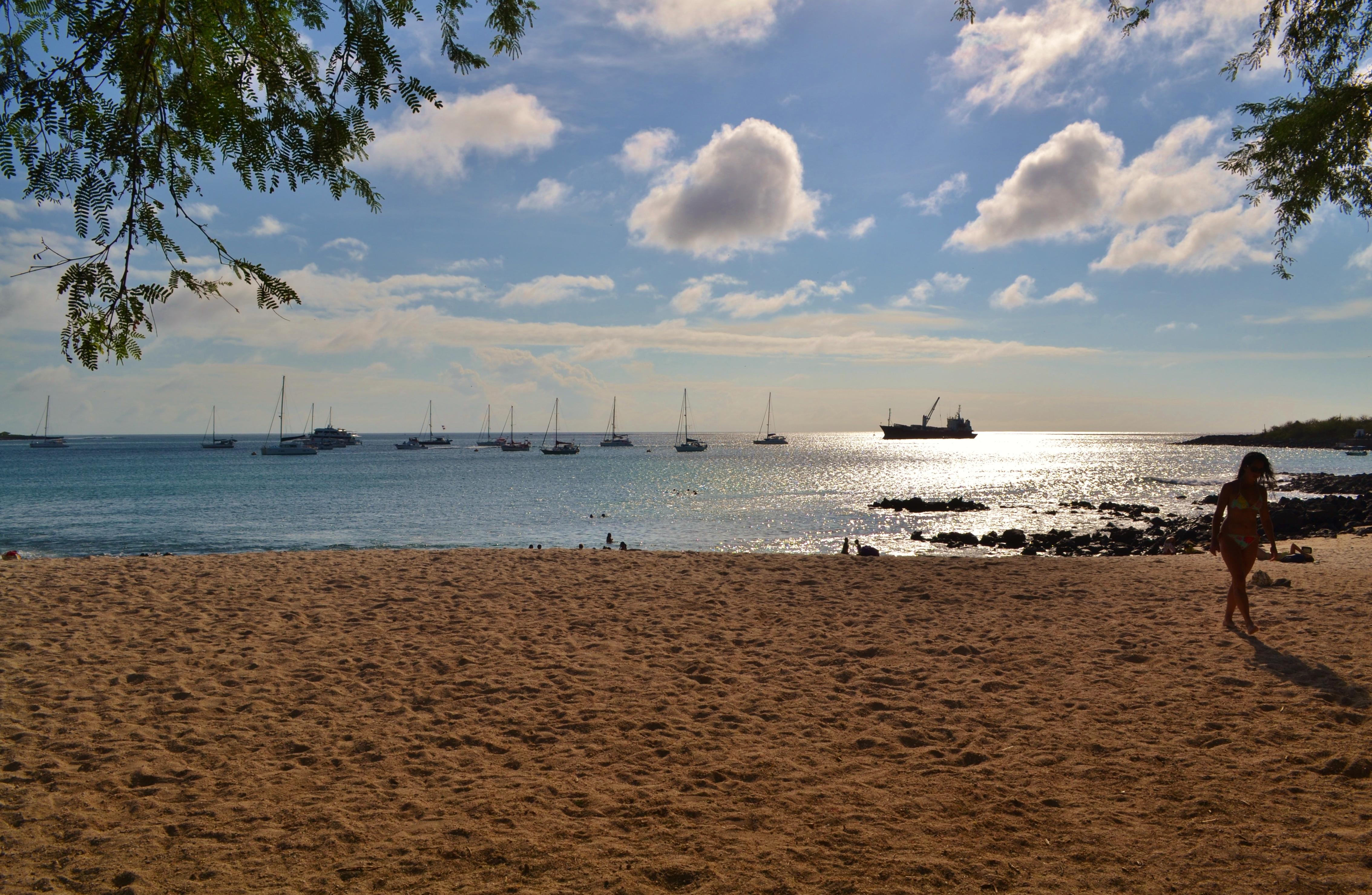 Islas de Galapagos sunset playa mann